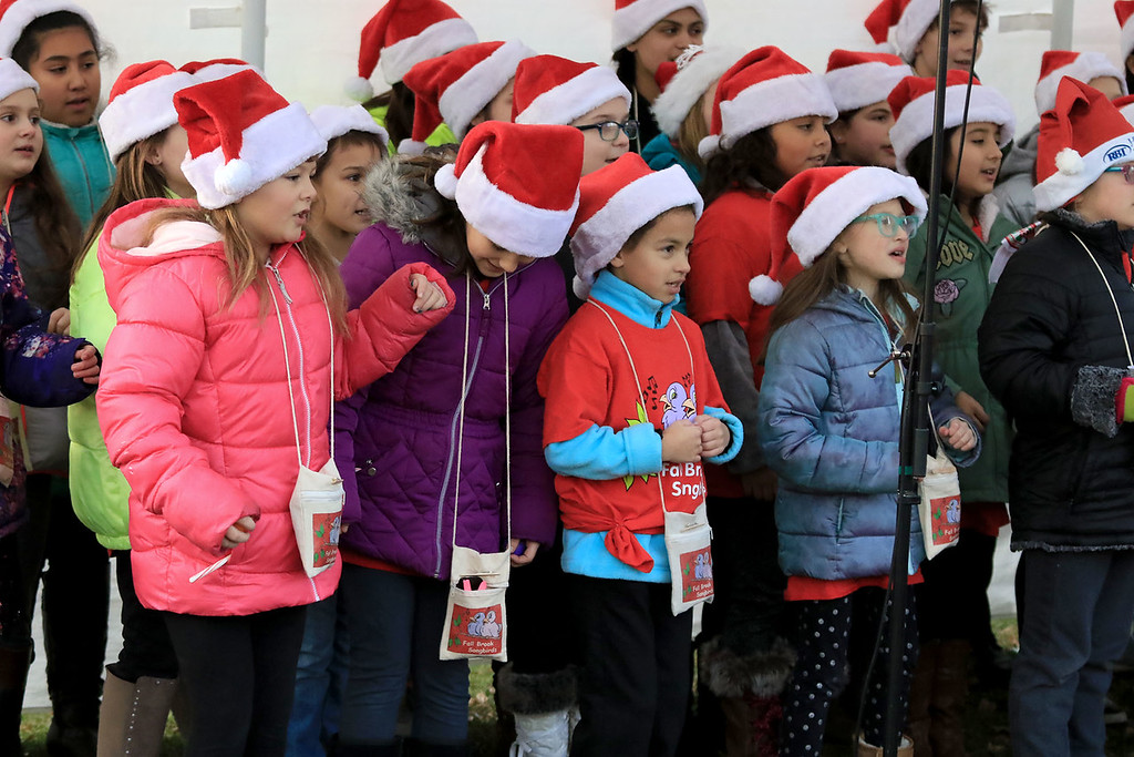. The 13th Annual Leominster Holiday Stroll was held on on Saturday, December 1, 2018 in Downtown. The Fallbrook Songbirds entertained the crowd to start off the stroll. SENTINEL & ENTERPRISE/JOHN LOVE