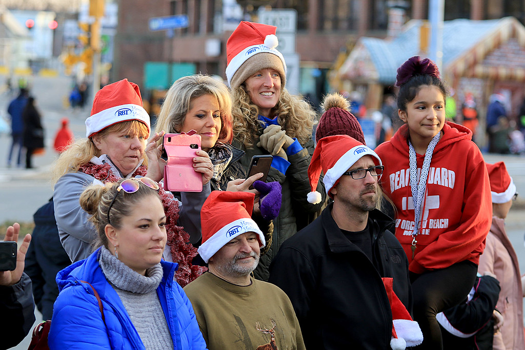 . The 13th Annual Leominster Holiday Stroll was held on on Saturday, December 1, 2018 in Downtown. The Fallbrook Songbirds entertained the crowd to start off the stroll. Many gathered to watch the Songbirds. SENTINEL & ENTERPRISE/JOHN LOVE