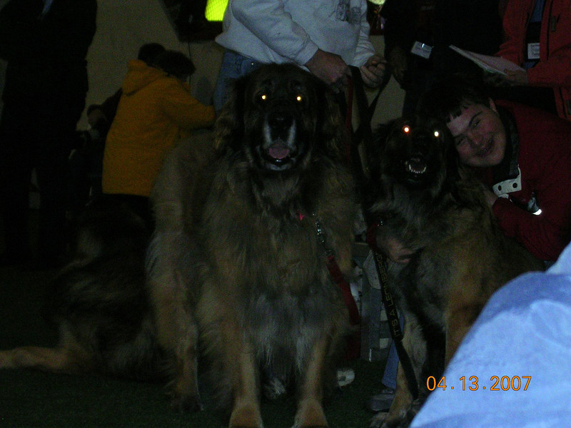Cheera and her family.  (leo on right is her daughter)