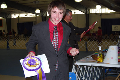 Connor wins Best Junior Handler...what a fabulous ribbon!!!  :o)
