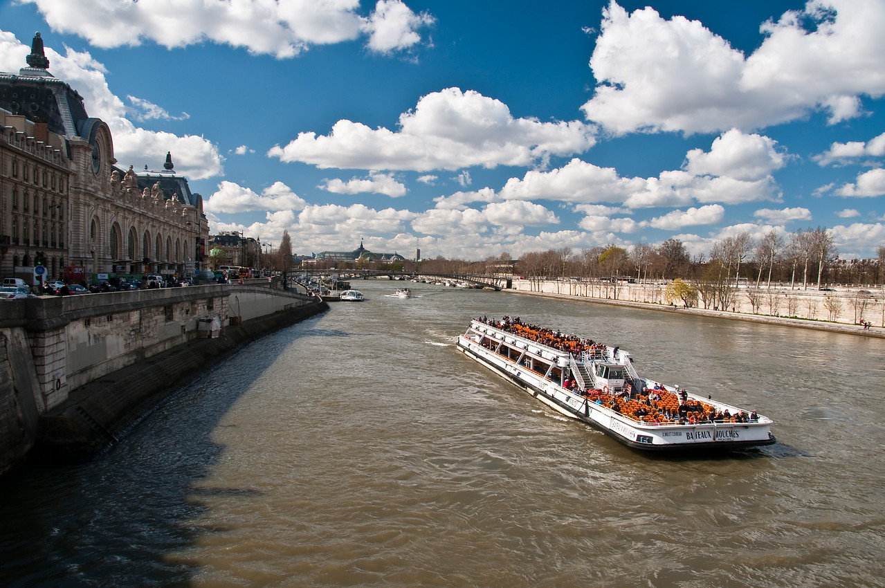 La seine, Paris, France