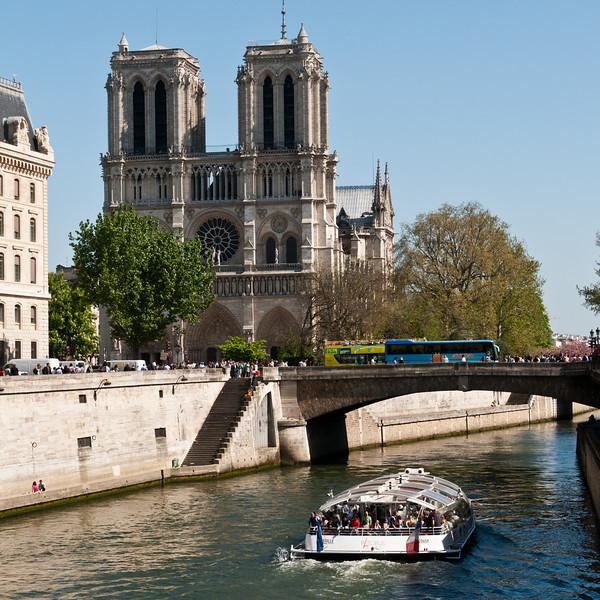 Notre Dame de Paris.  Paris, France