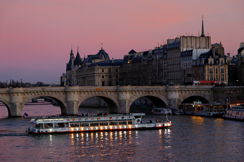 """This is the """"Ile de la cite"""", viewed from the """"pont des arts"""". The bridge is the """"pont neuf"""" (which means new bridge) and is in fact one of the oldest (if not the oldest) bridge of Paris)."""