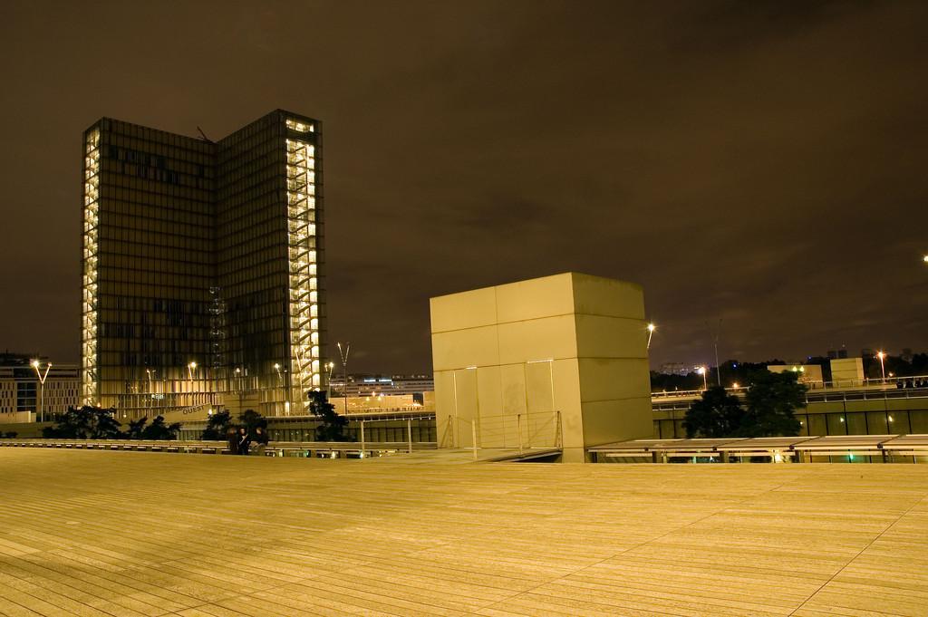 Bibliothque nationale de France site Franois Mitterrand<br /> <br /> Nuit blanche 2005