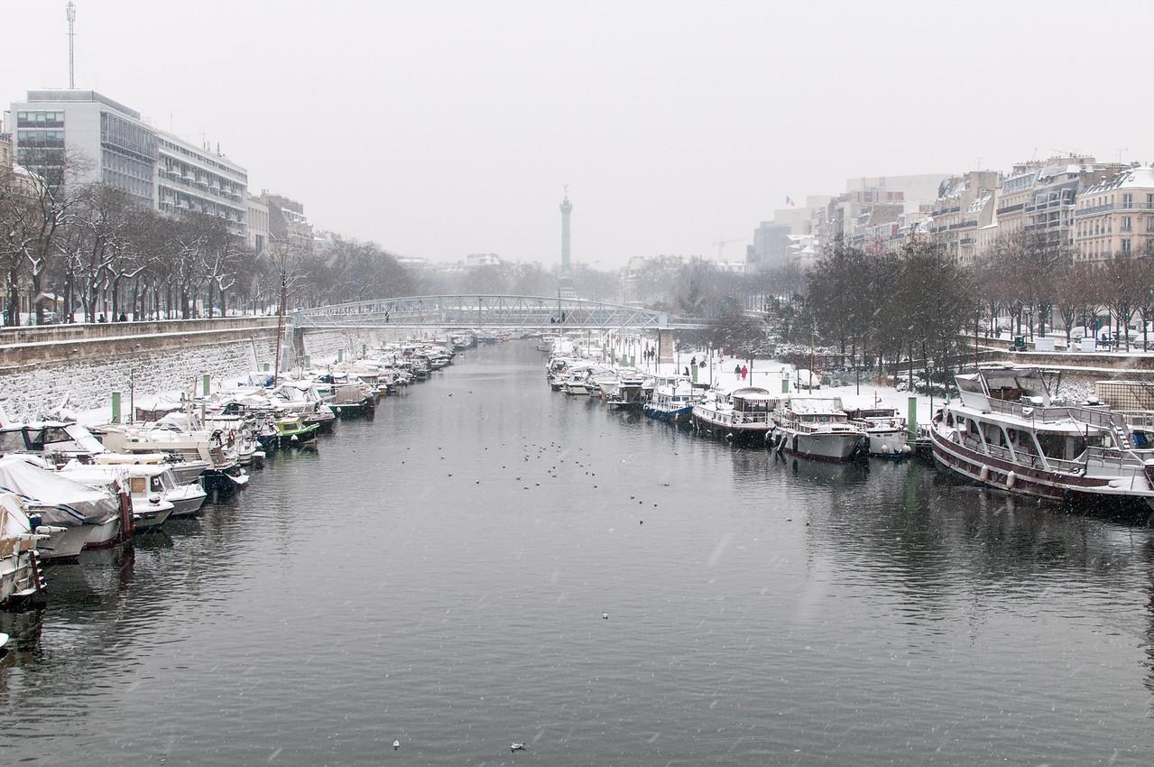 Le port de paris sous la neige