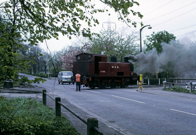 NCB S103, Newmarket Colliery, 9 May 1974 4.  Returning light across the road which runs through the colliery.  Photo by Les Tindall.