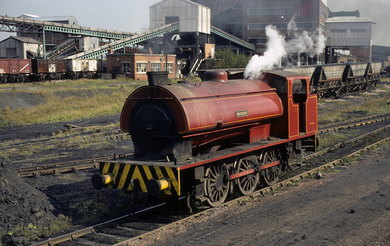 Warrior, Bickershaw colliery, Leigh, 13 September 1977.  The Hunslet (3823 / 1954) had arrived at Bickershaw the previous month.  NB the Giesl ejector.  Many National Coal Board locos were so equipped because of complaints about their smoke.  Photo by Les Tindall.