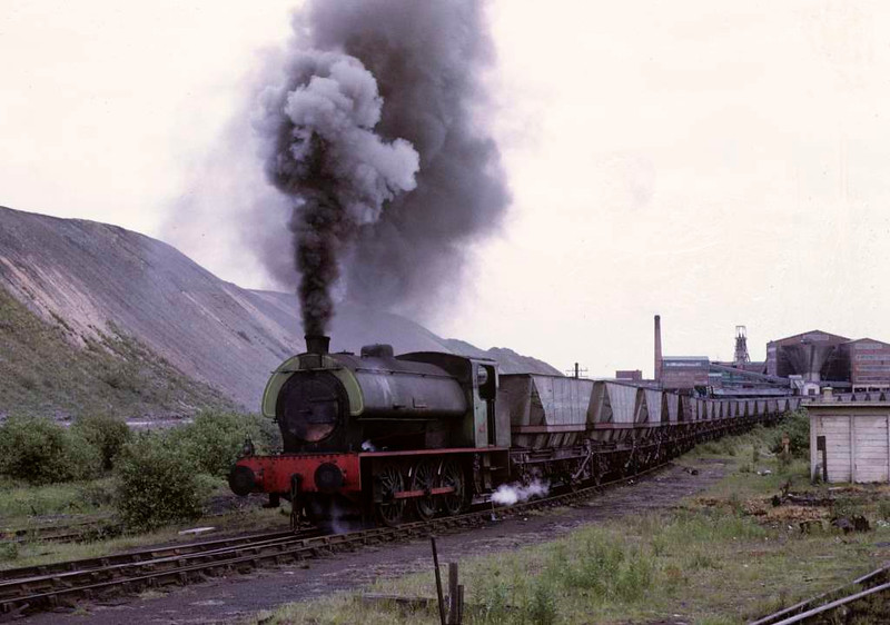 Rodney, Bickershaw colliery, 15 June 1973 3.  The Hunslet 0-6-0ST takes off the wagons that a BR class 47 had brought in on a merry-go-round train.   Photo by Les Tindall.