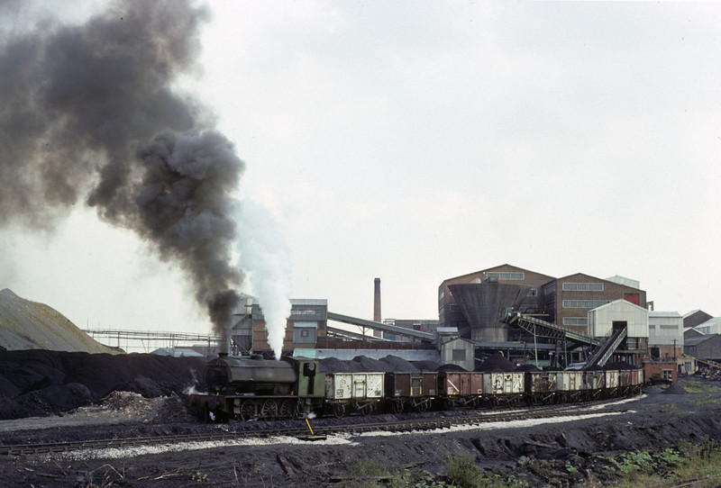 Gwyneth, Bickershaw colliery, Leigh, 13 September 1977. Photo by Les Tindall.