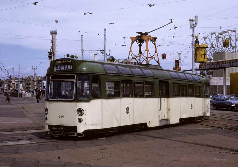 Twin-set tram 674, Blackpool, Sun 12 August 1973.  Arriving at the turning loop at Pleasure Beach with trailer in tow.  Photo by Les Tindall.