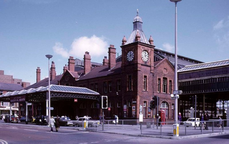 Blackpool North station, Sun 12 August 1973 2.  The 1898 station building, subsequently demolished.  Photo by Les Tindall.
