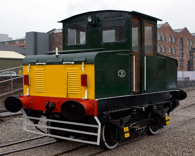 Former CEGB battery loco, Manchester Museum of Science & Industry, Thurs 15 September 2005 1.  English Electric 1378  / 1944.