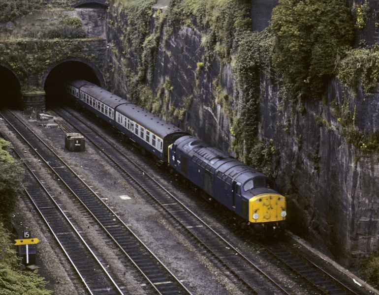 40004, Chester, Sat 28 July 1979.  The 0937 Llandudno - Birmingham.   The former D204 was withdrawn in 1984.  Photo by Les Tindall.