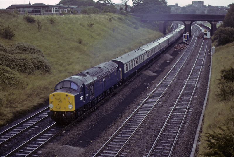 40046, leaving Chester, Sat 28 July 1979.  The 0855 York -  Llandudno.  The former D246 was withdrawn in 1983.  Photo by Les Tindall.
