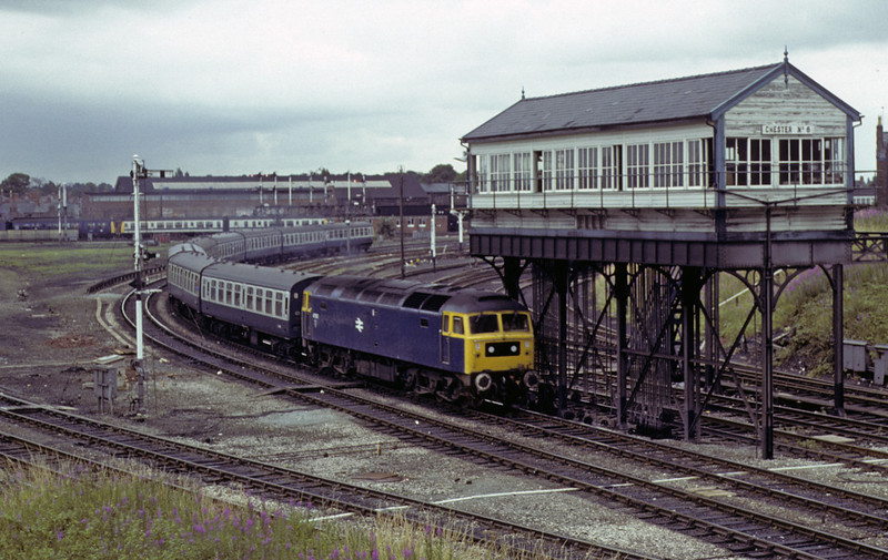 47512, passing Chester No 6 box, Sat 28 July 1979.  The 1100 Euston - Holyhead.  The former D1958 was withdrawn in 1991.  Photo by Les Tindall.