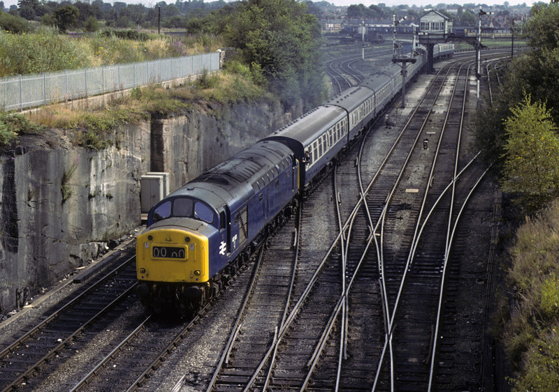 40183, Chester, Sat 28 July 1979    The 0752 Leeds - Llandudno.  There is a later shot of the 40's return working.   The former D383 was withdrawn in 1983.  Photo by Les Tindall.