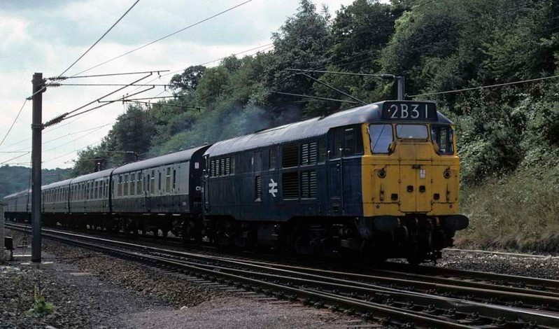 31226, 2B31, Woolmer Green, Sat 23 August 1975.  The 1245 King's Cross - Hull.  Photo by Les Tindall.