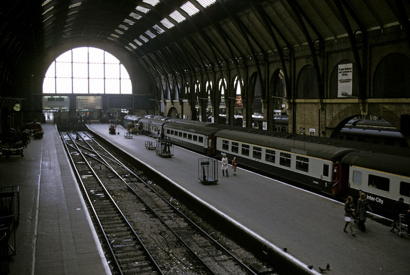 King's Cross, 13 April 1974.  A view of platforms 1 - 4.  Photo by Les Tindall.