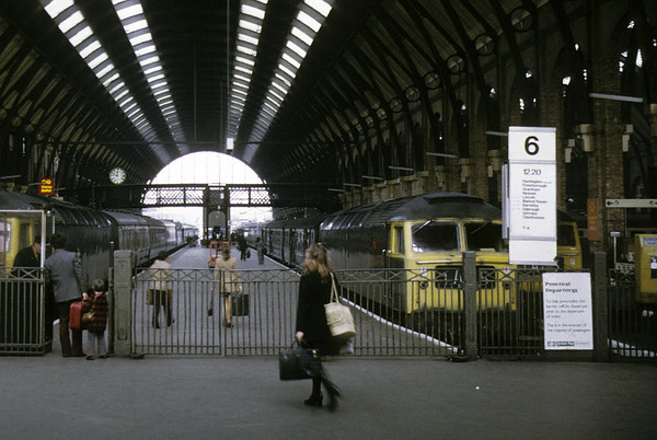 King's Cross, 13 April 1974 - 1149.  Passengers board the 1220 to Cleethorpes.  NB the yellow platform ticket machine at far right.  Photo by Les Tindall.
