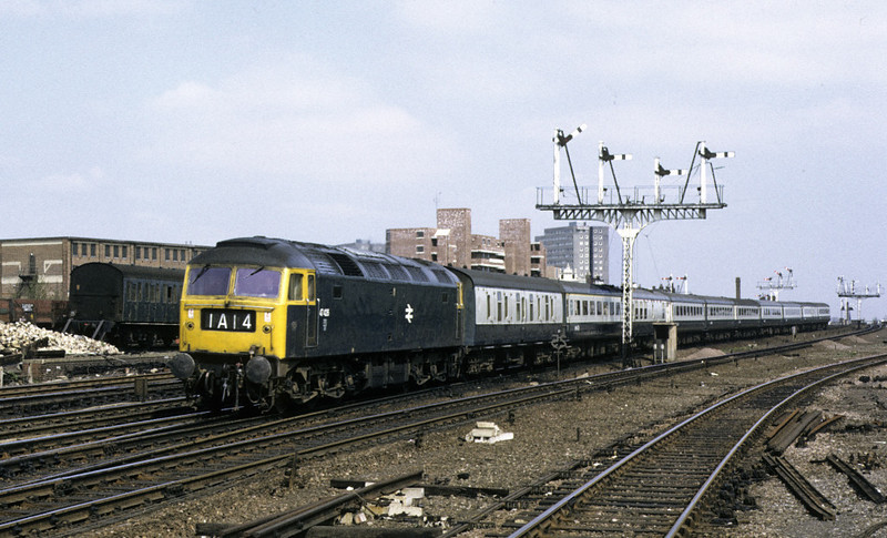 47426, 1A14, Holloway, 13 April 1974.  The 0930 from Leeds.  The former D1534 was withdrawn in 1993.  Photo by Les Tindall.