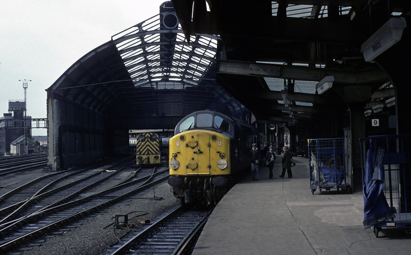 40054, Newcastle, 27 March 1976    The 40 stands at platform 10 with the 0610 from Liverpool Lime Street.  It was withdrawn in 1977. Photo by Les Tindall.