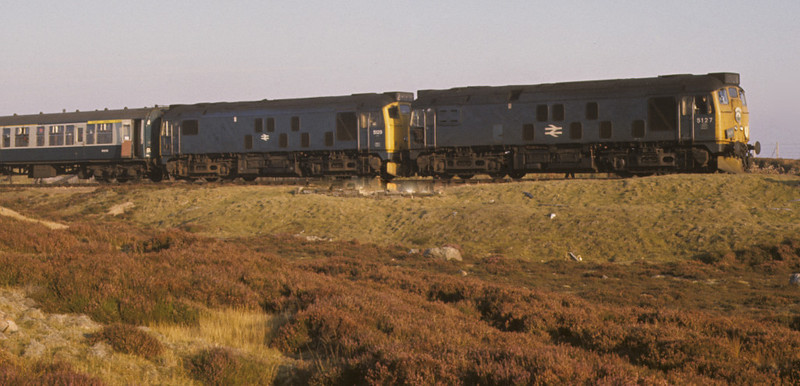 5127 & 5129, Altnabreac, 7 October 1972 2.    A last look at the 'Orcadian'. Photo by Les Tindall.