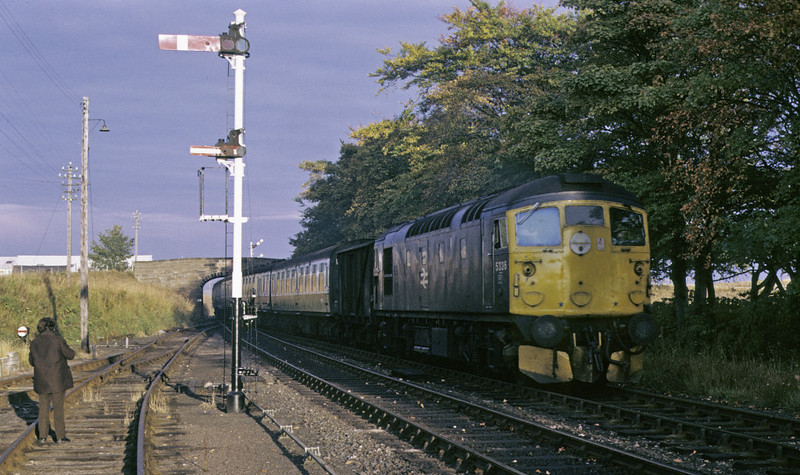 5336, Tain, 7 October 1972.     Arriving with a train for Inverness from Wick and Thurso.   The loco became 26036, and was withdrawn in 1993. Photo by Les Tindall.