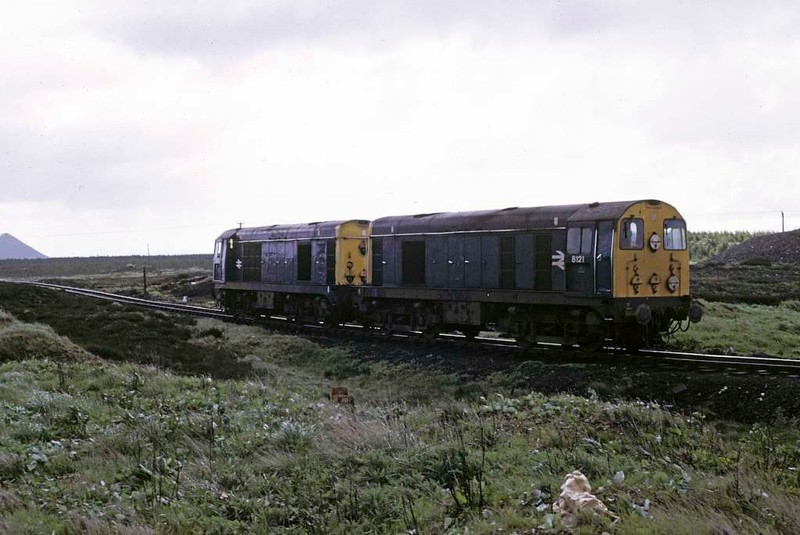 8119 & 8121, Polkemmet moor, June 1973.  Heading light to the interchange sidings near Polkemmet colliery.  Photo by Les Tindall.