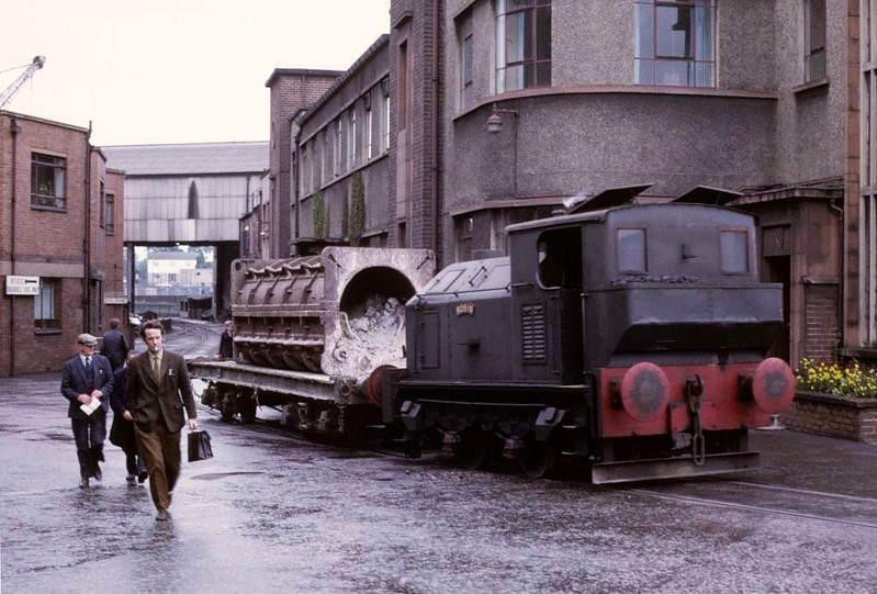 Robin, Whifflet Foundry, Coatbridge,June 1973 1.  Sentinel 4wVBT (9628 / 1957 shunting in the works of R B Tennent. Photo by Les Tindall.