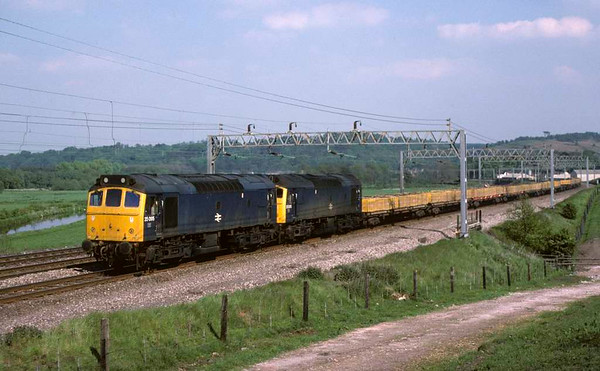 25095 & 25205, near Milford, June 1978.  The brick train on the down slow. 25095 was scrapped in 1987.  25205 was scrapped in 1995. Photo by Les Tindall.