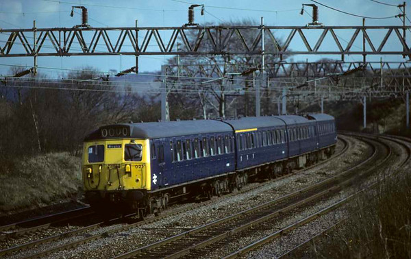 304021, approaching Stafford, April 1980.  A Rugby - Stafford local, though the destination blind says Rugby.  Photo by Les Tindall.