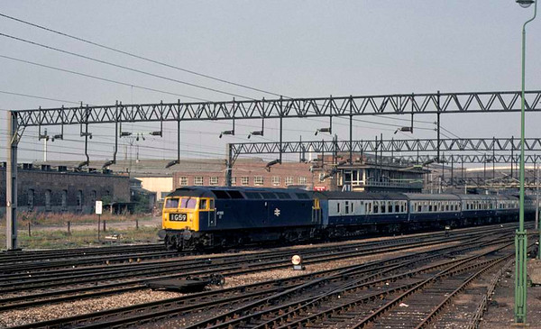 47555, 1G59, Stafford, Sun 7 September 1975.  Arriving with the 0812 Liverpool - Birmingham. The loco was scrapped in 1995.   Photo by Les Tindall.