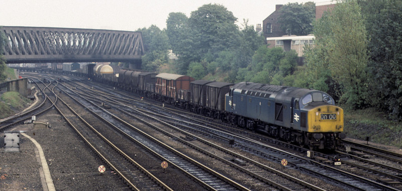 40147, York, 2 October 1976    The 40 winds a long freight from the station avoiding line onto the the ECML at Holgate Junction.  It was withdrawn in 1980. Photo by Les Tindall.