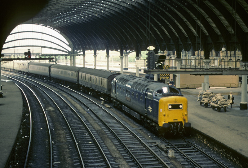 55011 The Royal Northumberland Fusiliers, York, 2 October 1976 1    The Deltic brings in the 0850 Aberdeen - King's Cross; it was withdrawn in 1981. Photo by Les Tindall.
