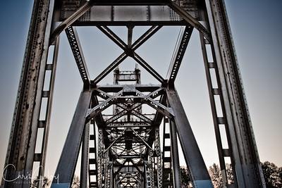Union Street Bridge over the Willamette River at night, Salem, Oregon