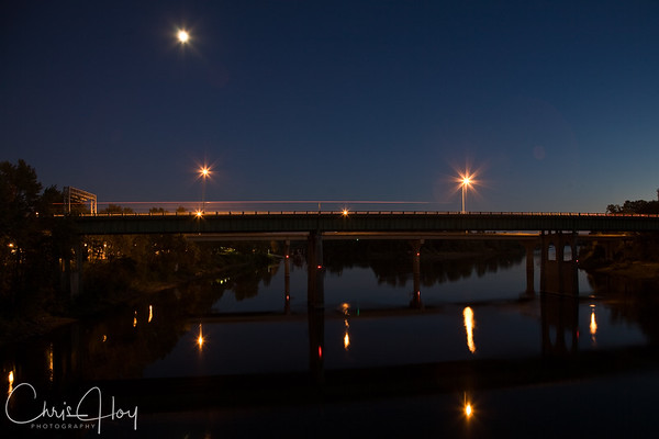 Center Street Bridge over the Willamette River at night, Salem, Oregon
