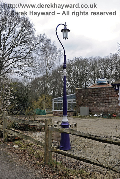 One of the vintage lamps in the forecourt of Barcombe Station.  03.04.2013  6561