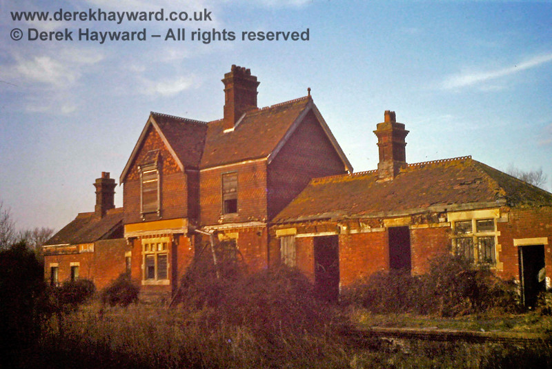 Nick Mander has kindly supplied this image of Barcombe station in somewhat derelict condition, which he believes was taken in 1975.  Nick retains all rights to this image.