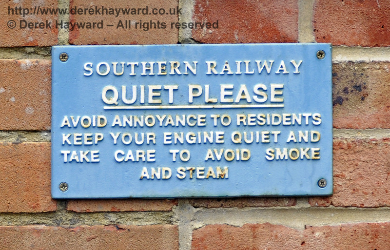 Whatever you do, please do not disturb the residents, and please remember that this is PRIVATE PROPERTY...!!! Newick & Chailey 28.07.2014 11322