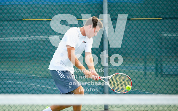 2017-18 Lewis Tennis Action