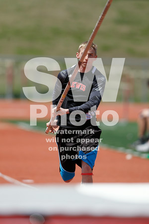 5. 3.2014 - Lewis Track at GLVC Meet