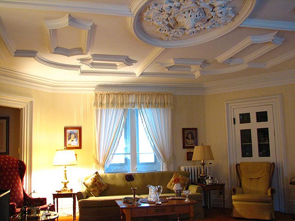 Fairbanks Living room 003