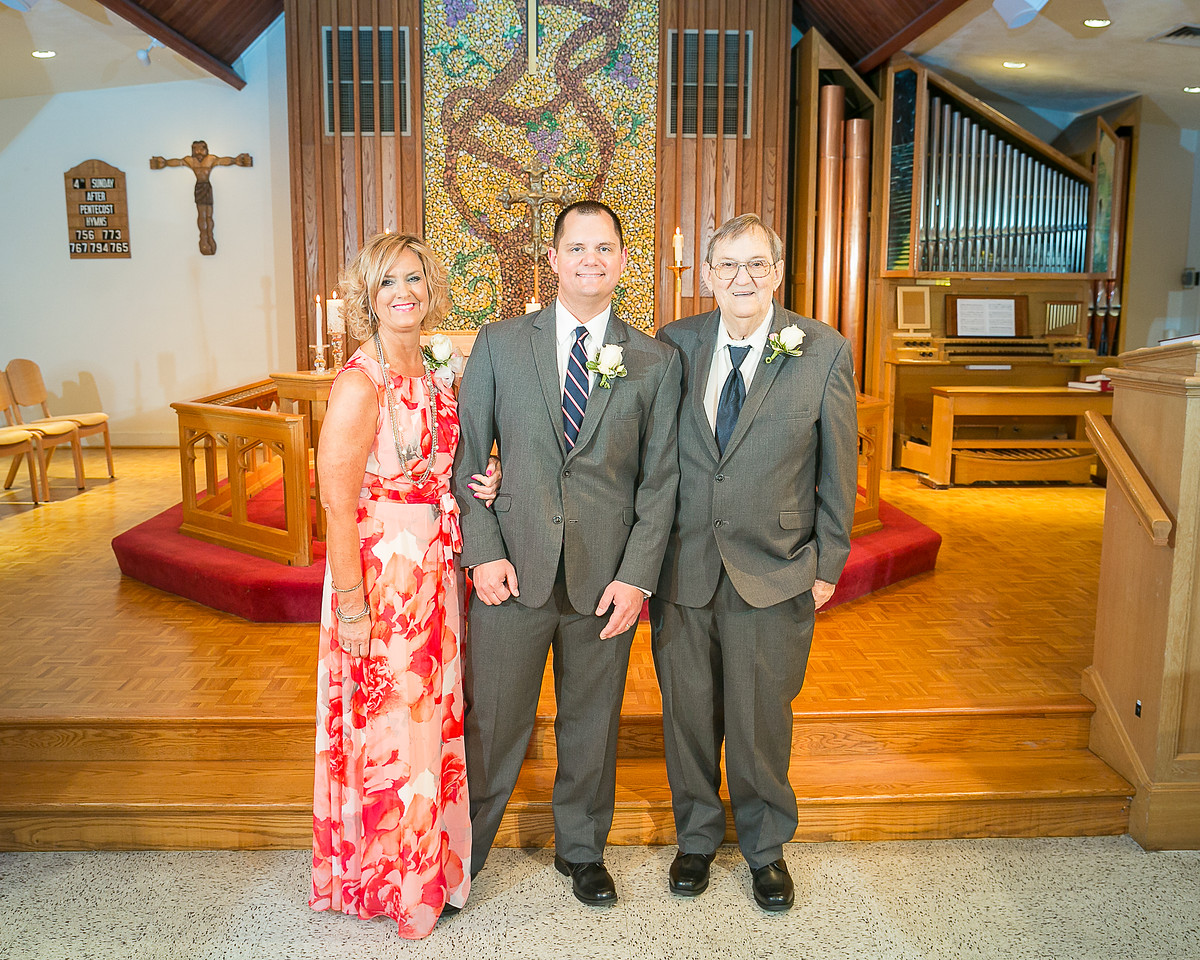 Hannah & Barry's wedding day at Faith Lutheran Church, the Arboretum & Keeneland, Lexington, KY 6.27.15.