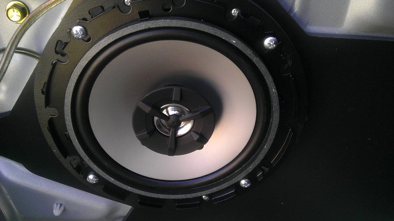 """Aftermarket speaker and speaker adapters  from <a href=""""http://www.car-speaker-adapters.com/items.php?id=SAK002""""> Car-Speaker-Adapters.com</a>"""
