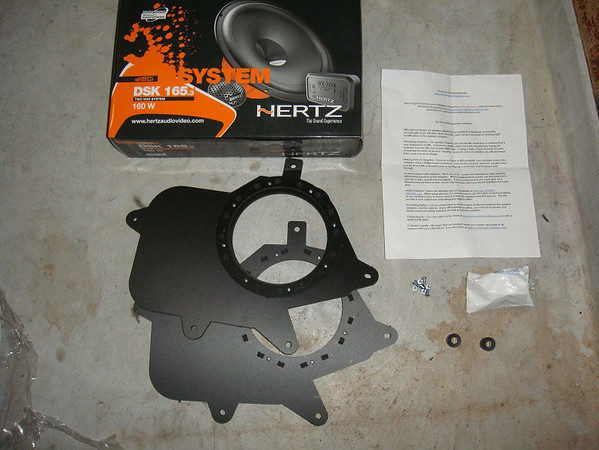 "Aftermarket speakers and speaker brackets   from  <a href=""http://www.car-speaker-adapters.com/items.php?id=SAK002""> Car-Speaker-Adapters.com</a>"