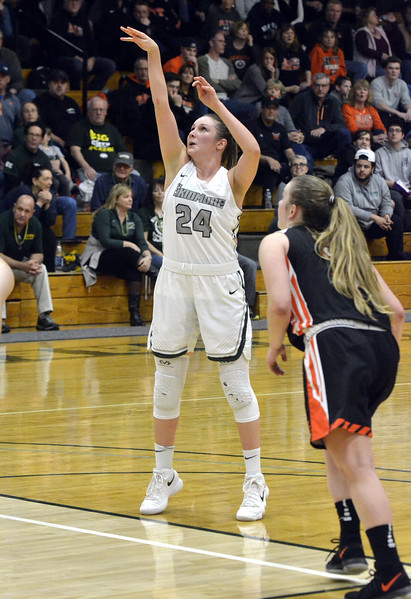 STAAN HUDY - SHUDY@DIGITALFIRSTMEDIA.COM<br /> Haley English during the Liberty League women's basketball tournament final Sunday Feb. 25, 2018. Skidmore vs. RIT at the Williamson Center on the Skidmore College campus.