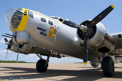 BoeingB17G4485734N390TH_1