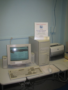 Our HCHL website on screen of  computer at Senior Center.   [This old computer was replaced with a better one in early 2006.]