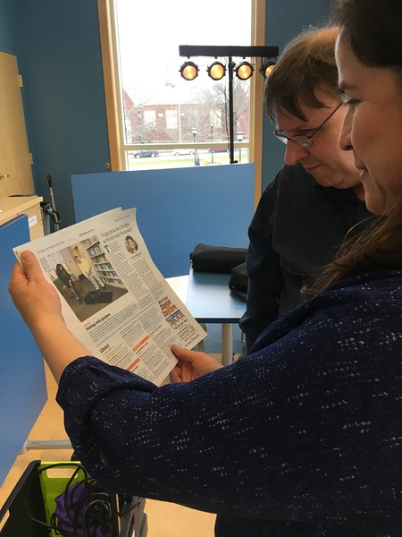 The Republican published Wednesday April 5 (in Plus section) a photo of Angela and Bob preparing for the event.