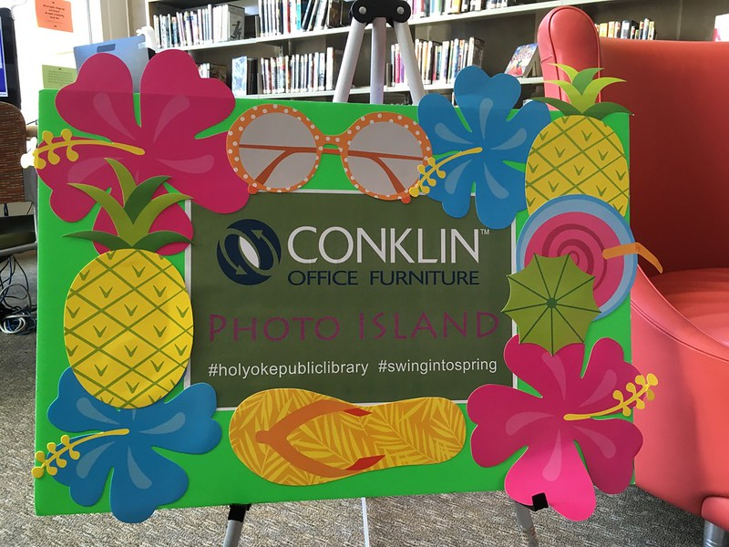 """Conklin Office Furniture created a """"Photo Island"""" at the 18th hole!"""